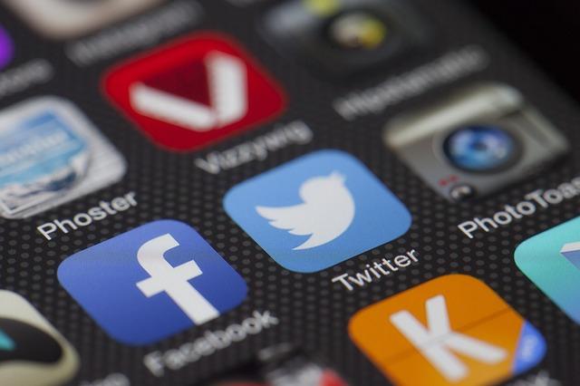 social media apps facebook twitter